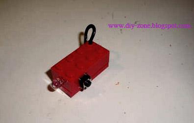 DIY เลโก้ไฟฉายพกพา-ยามน้ำท่วม