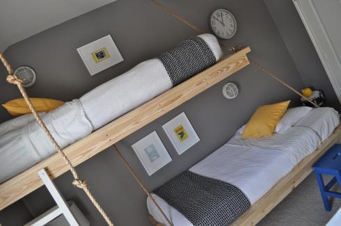 Hanging Beds เตียงนอนลอยหนีน้ำท่วม