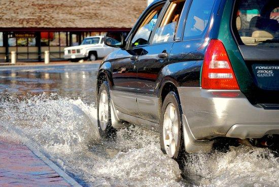 เทคนิคการขับช่วงน้ำท่วม และการดูแลรักษารถหลังผ่านน้ำท่วม 13 -
