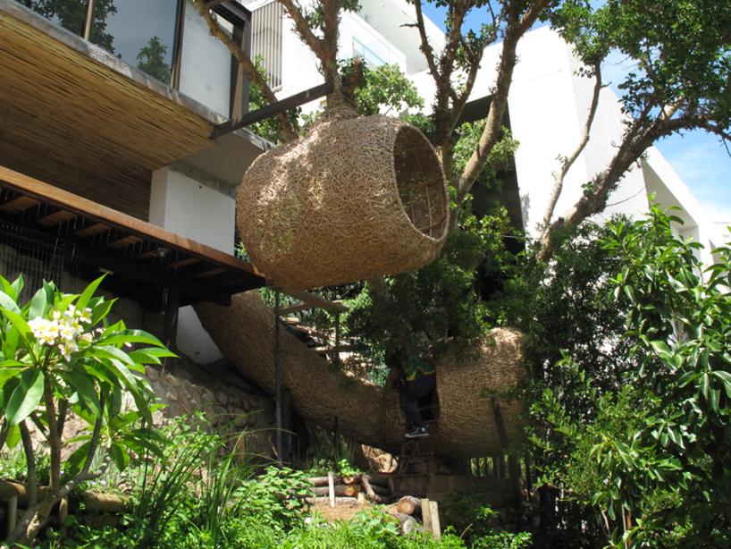'weaver's nest' รังนกยักษ์ by Porky Hefer 2 - bird nest
