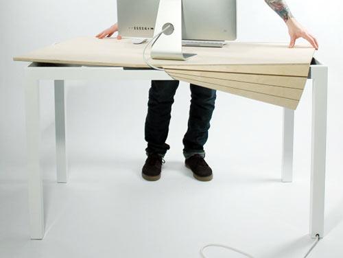 Tambour Table โต๊ะทำงานที่ซ่อนสายไฟและเก็บของได้อย่างชาญฉลาด