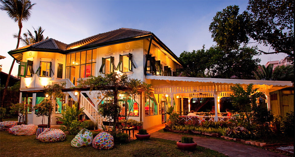 Issaya Siam Club อาหารไทยโบราณที่เสิร์ฟมาในรูปลักษณ์และการตกแต่งแนวใหม่