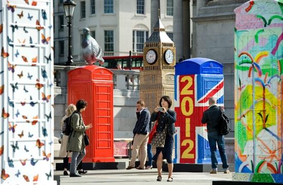 นิทรรศการงานศิลปะกลางแจ้ง จากตู้โทรศัพท์สาธารณธะของอังกฤษ..นับถอยหลังโอลิมปิค