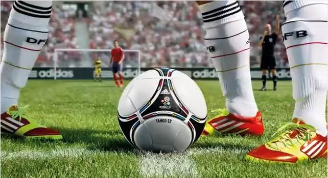 แทงโก้ 12 ! ลูกฟุตบอลประจำศึกยูโรปี 2012 13 -