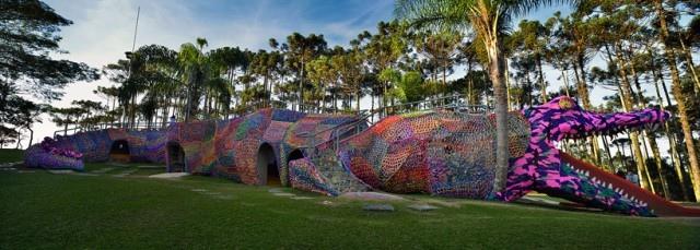 สนามเด็กเล่นจระเข้ จากโครเชต์ 2 - crocheted art