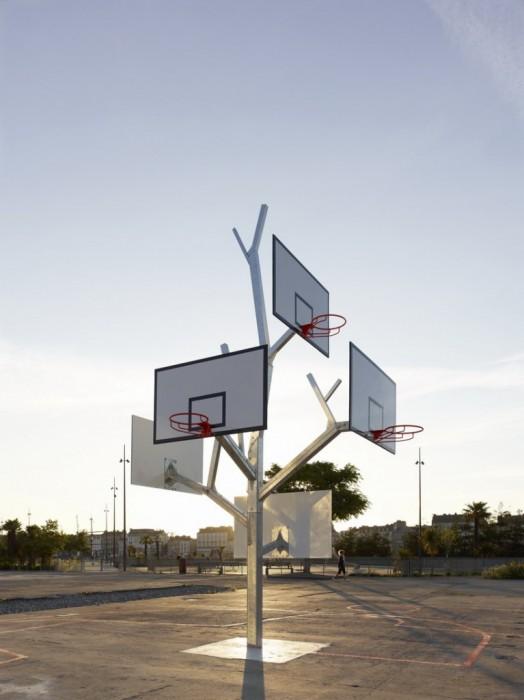 Basket tree in Nantes, France ห่วงบาสหลายระดับในหนึ่งเดียว 2 - basketball