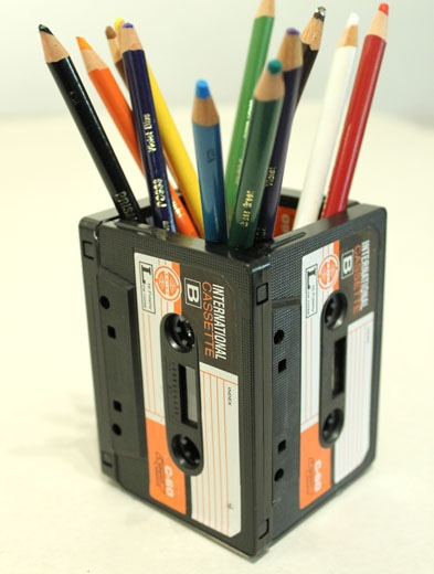 DIYที่ใส่ดินสอจากเทปคาสเซ็ตเก่า..แนว Retro ที่กำลังเทรนในยุคนี้ 2 - cassette-tape