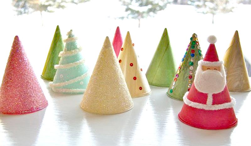 """DIY """"Christmas Tree"""" ต้นคริสต์มาส จากกรวยกระดาษใส่น้ำ"""