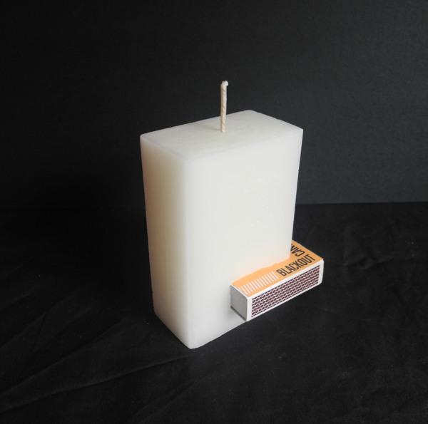 Blackout เทียนเรืองแสง มีที่เก็บกล่องไม้ขีดในตัว..ไอเดียฉลาดๆรับมือไฟดับ ฉุกเฉิน 2 - Blackout