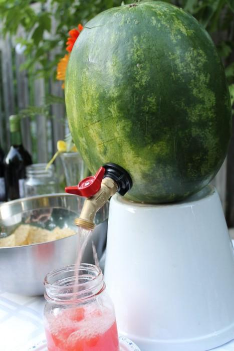 DIY ที่ใส่เครื่องดื่มดับร้อน จากลูกแตงโม 13 - DIY
