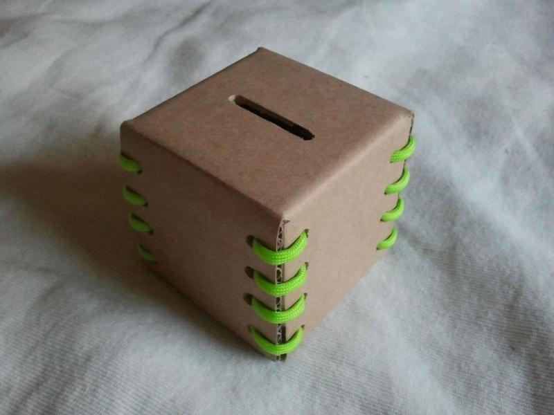 DIY กระปุกใส่เหรียญ ใส่เงิน รีไซเคิลจากกระดาษกล่อง 13 - banking