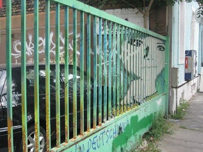 Street Art ภาพที่ซ่อนอยู่บนราวลูกกรงข้างถนน 13 - Graffiti
