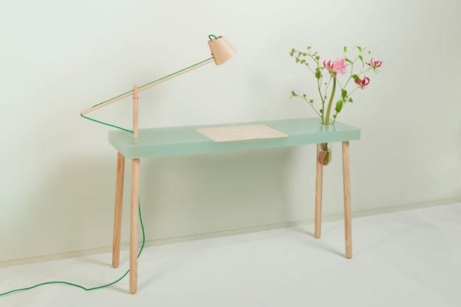 โต๊ะเขียนหนังสือ ทำจากเรซิน และไม้ สวย..ใส.. โดย STUDIO ROEL HUISMAN 13 -