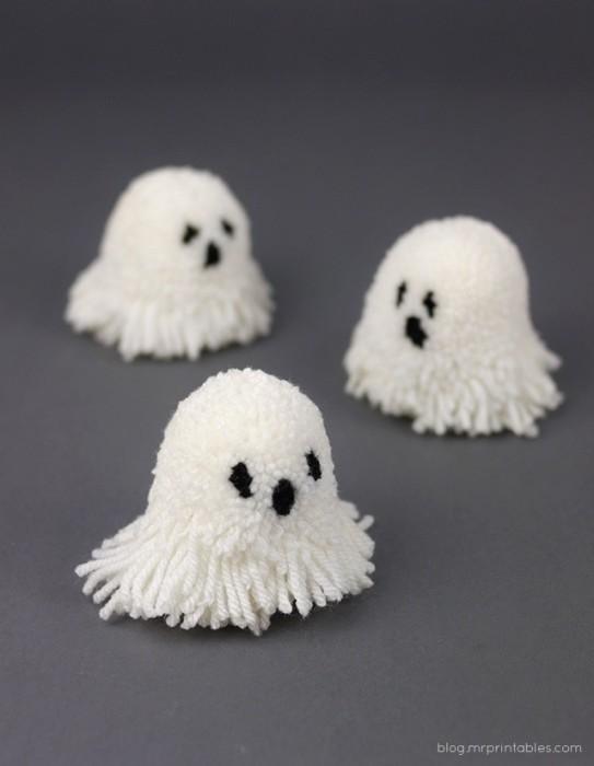 Let's Make Halloween Pompoms 13 - DIY