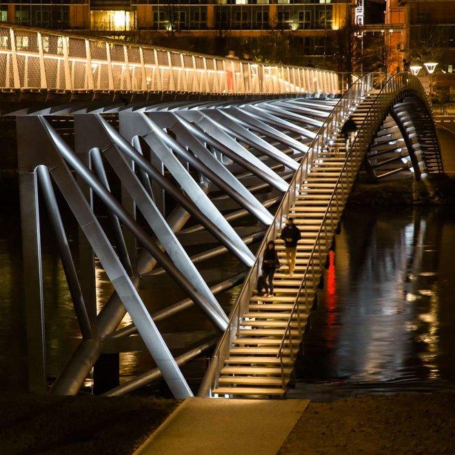 The Peace Footbridge  สะพานเดินเท้าและขี่จักรยานข้ามแม่น้ำโรน 13 - Footbridge