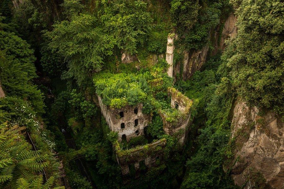 ธรรมชาติคือผู้ชนะ กลืนกินทุกสิ่ง Nature Winning Against Civilization 2 - abandon