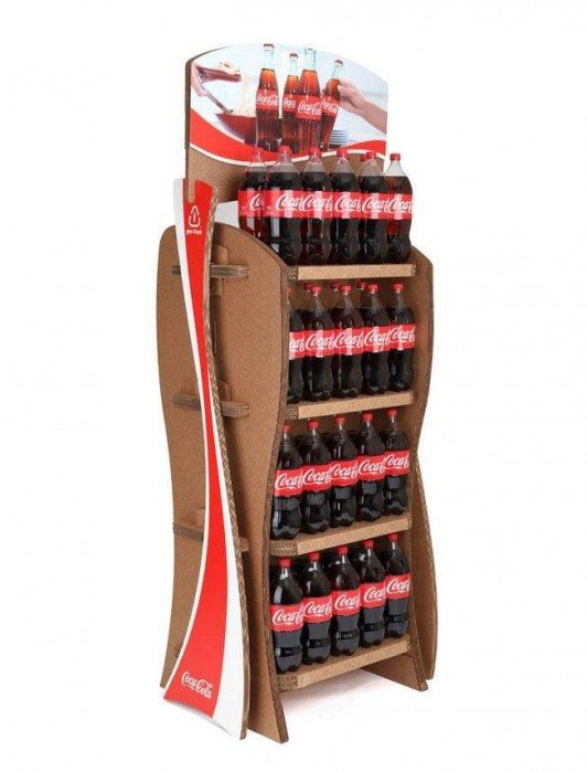 Coca-Cola's Green Marketing : ชั้นดิสเพลย์สินค้าจากกล่องใช้แล้ว 2 - Coca-Cola
