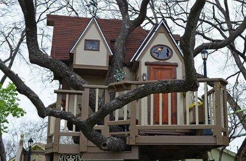 บ้านต้นไม้ในฝันของเด็กๆ หลายคน ลุงป้าสร้างอย่างสุดพลังเพื่อหลาน อลังการอย่างกับสวนสนุก