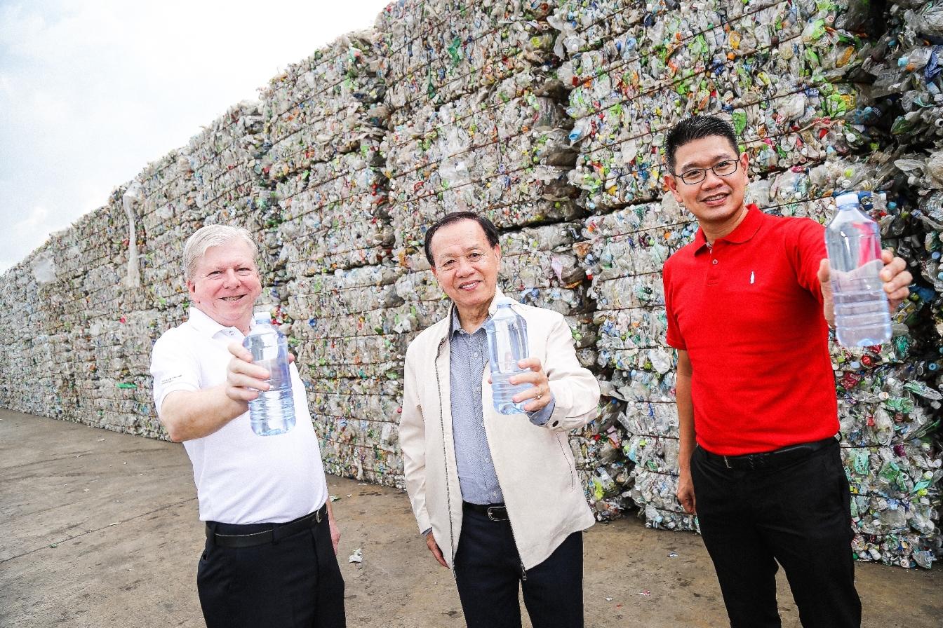 สมาคมอุตสาหกรรมเครื่องดื่มไทย โคคา-โคลา และอินโดรามา เวนเจอร์ส ร่วมผลักดันขวดพลาสติกรีไซเคิล เพื่อลดปัญหาขยะพลาสติกอย่างยั่งยืน 13 -