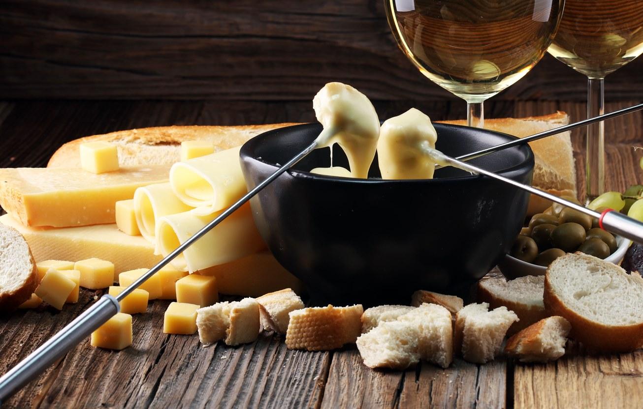 อิ่มหนำสำราญรับลมหนาวไปกับเทศกาลอาหารสวิตเซอร์แลนด์ ณ ห้องอาหารเดอะเวิลด์ เซ็นทาราแกรนด์ฯ เซ็นทรัลเวิลด์ 13 -
