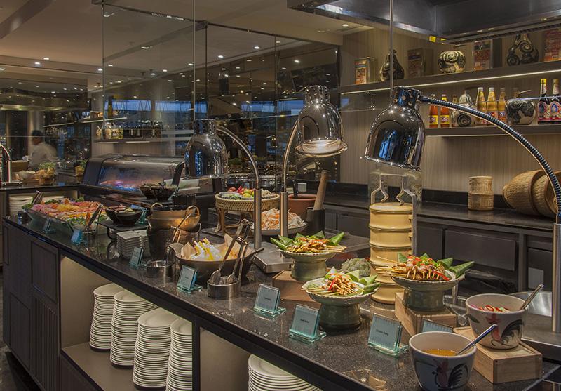 ลิ้มลองบุฟเฟ่ต์นานาชาติมื้อค่ำ ณ ห้องอาหารริเวอร์บาร์จ โรงแรมชาเทรียม ริเวอร์ไซด์ กรุงเทพฯ 13 -