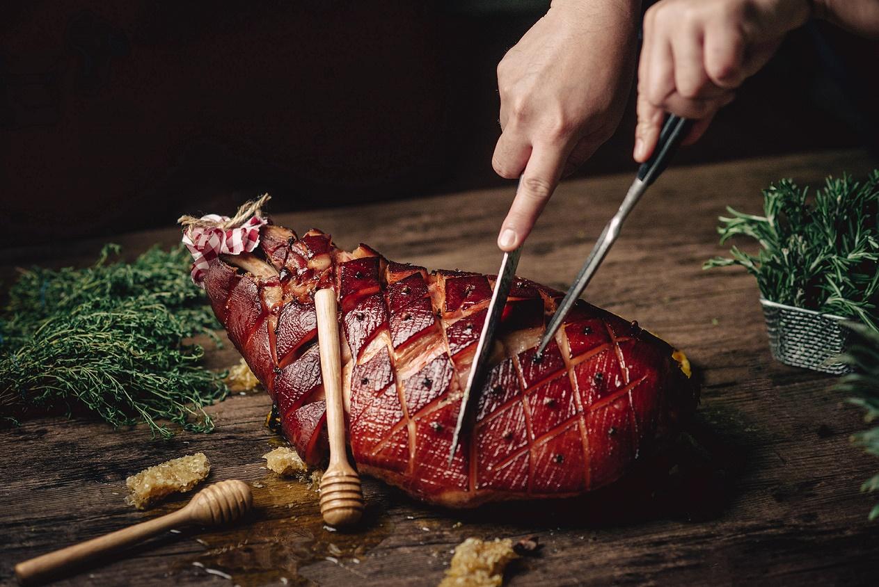 บุฟเฟต์เฉลิมฉลองเทศกาลแห่งความสุขกับค่ำคืนวันคริสมาสต์ ที่ห้องอาหารซีซั่นนอล เทสท์ส โรงแรม เดอะ เวสทิน แกรนด์ สุขุมวิท 13 -