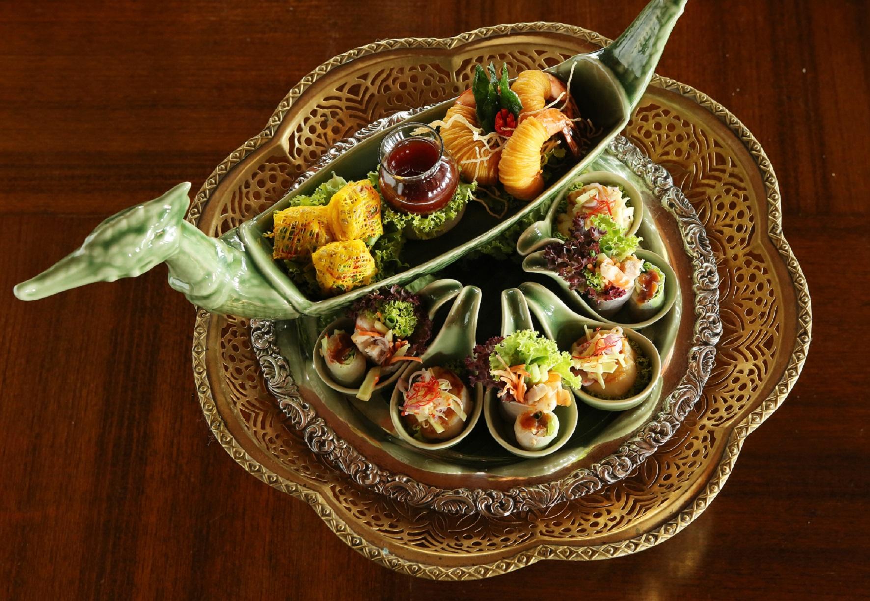 อาหารไทยภาคกลางเลิศรส ต้นตำหรับชาววัง ณ ห้องอาหารธาราทอง โรงแรมรอยัล ออคิด เชอราตัน 13 -